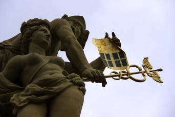Marktplatzbrunnen mit Merkur und Stadtgöttin Mannheimia